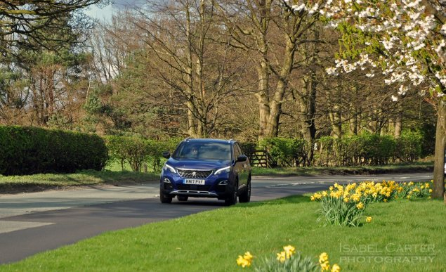 New-Peugeot-3008-crossover-SUV-road-test-review-1.2-petrol-manual-GT-Line-Magnetic-Blue-photo-06