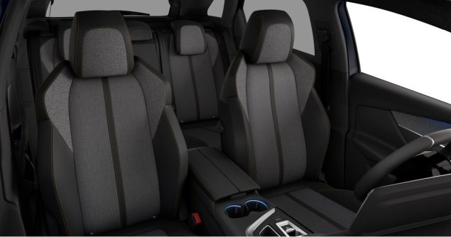 New-Peugeot-3008-crossover-SUV-road-test-review-1.2-petrol-manual-GT-Line-Magnetic-Blue-photo-interior-2