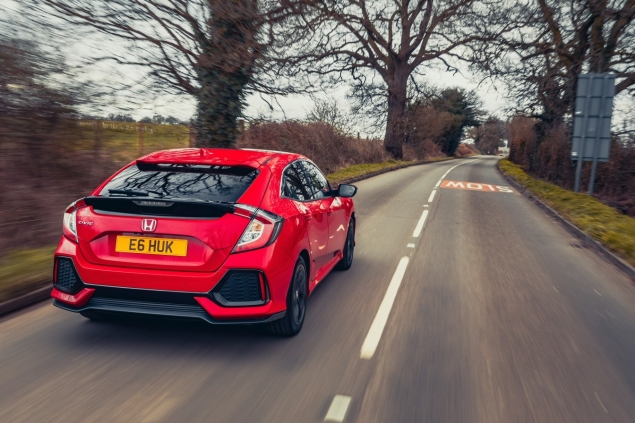 2017 Honda Civic 1.0 VTEC Turbo EX manual road test review - rear 34