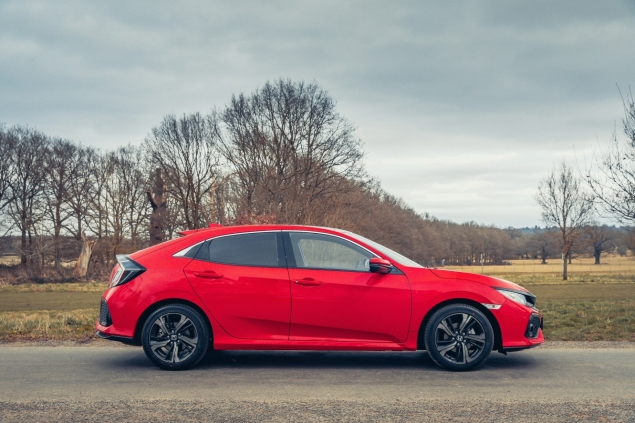 2017 Honda Civic 1.0 VTEC Turbo EX manual road test review - side profile
