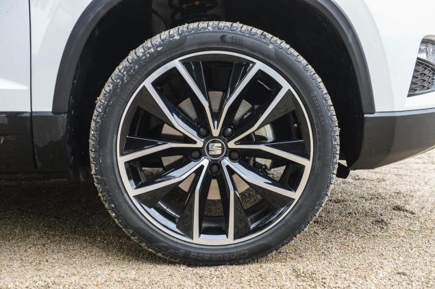 SEAT Ateca XCELLENCE 1.4 EcoTSI 150 PS 7-speed DSG-auto road test review leasing 19 inch alloys