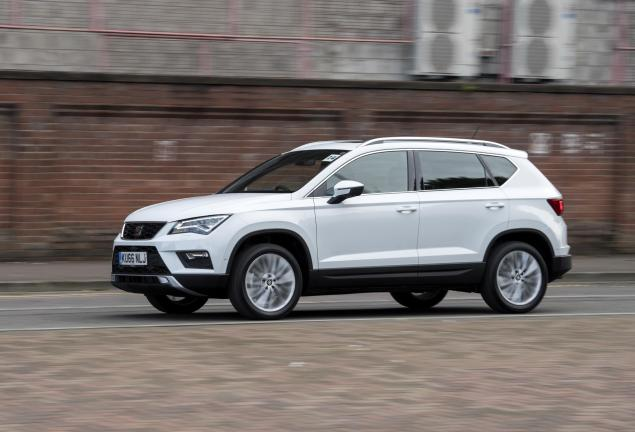 SEAT Ateca XCELLENCE 1.4 EcoTSI 150 PS 7-speed DSG-auto road test review leasing side 2