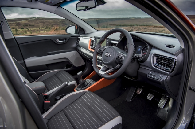 Kia Stonic review Danni Bagnall motoring writer journalist - interior dashboard