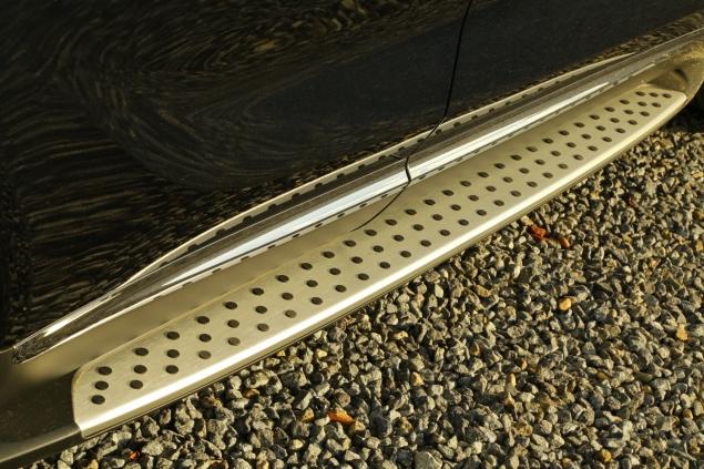 2018 Kia Sorento GT-Line S road test review Oliver Hammond blogger writer running boards side steps