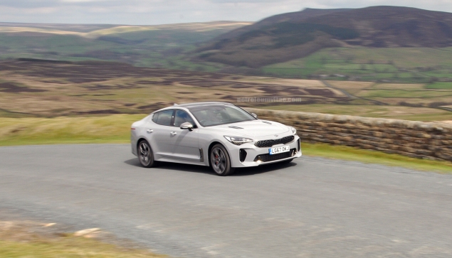 Kia Stinger GTS Oliver Hammond review blogger wallpaper photo - dynamic 1