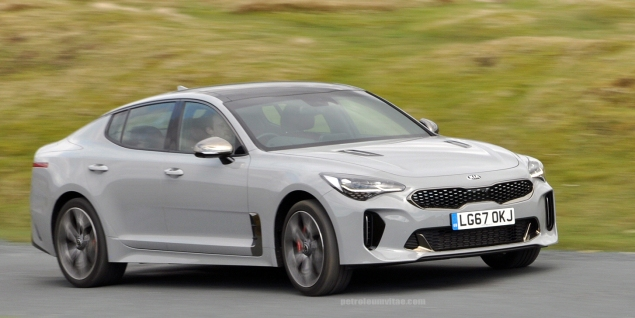 Kia Stinger GTS Oliver Hammond review blogger wallpaper photo - dynamic 4