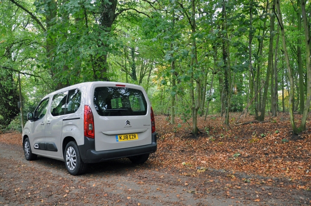 New Citroen Berlingo Multispace 1.5 HDi 100 M Feel diesel MPV road test review Oliver Hammond rear 34 sliding doors