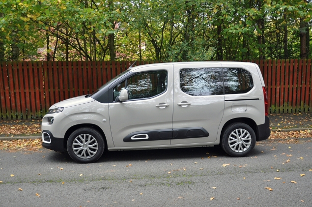 New Citroen Berlingo Multispace 1.5 HDi 100 M Feel diesel MPV road test review Oliver Hammond side sliding doors van