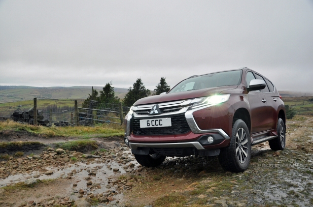 Mitsubishi Shogun Sport road test review Oliver Hammond - photo front 34a - photographer Isabel Carter