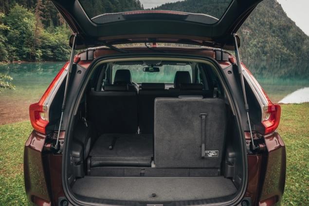 New Honda CR-V 2018 2019 UK road test review - boot seats fold floor space luggage